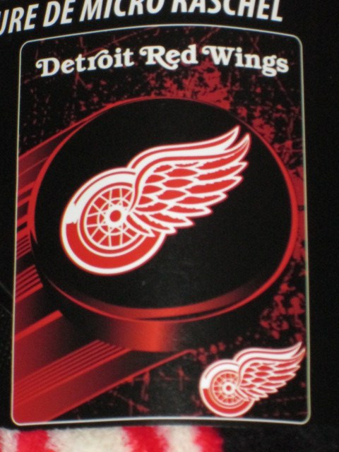 New Detroit Redwings Plush Throw Gift Blanket SOFT NHL Hockey Team Classy Red Wings Throw Blanket